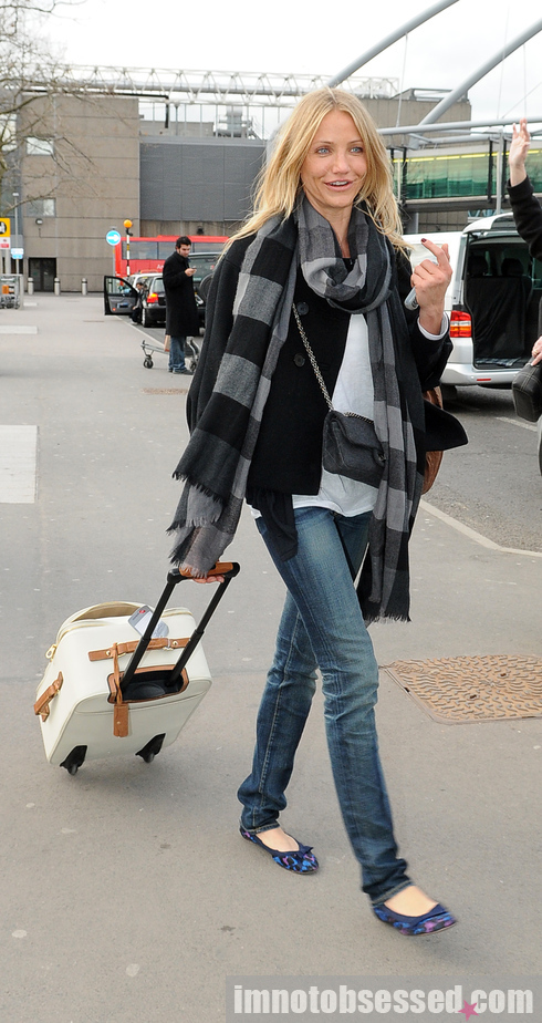 cameron diaz heathrow 290309