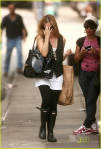 sarah-michelle-gellar-nyc-shopping-04