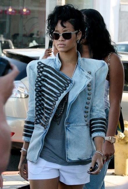 rihanna-wears-balmain-jacket