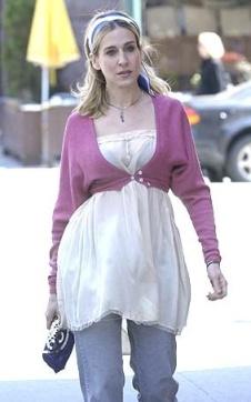 ep75_carrie_street_pinksweater