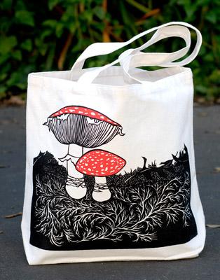 nikki-shroom-bag-med