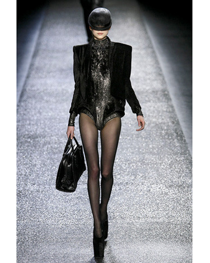 S-Nina-Ricci-Fall-Fashion-2009-022-runway