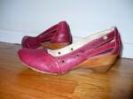 El Naturalista (Fanatic Footwear): Fun, red, made of recycled stuff.
