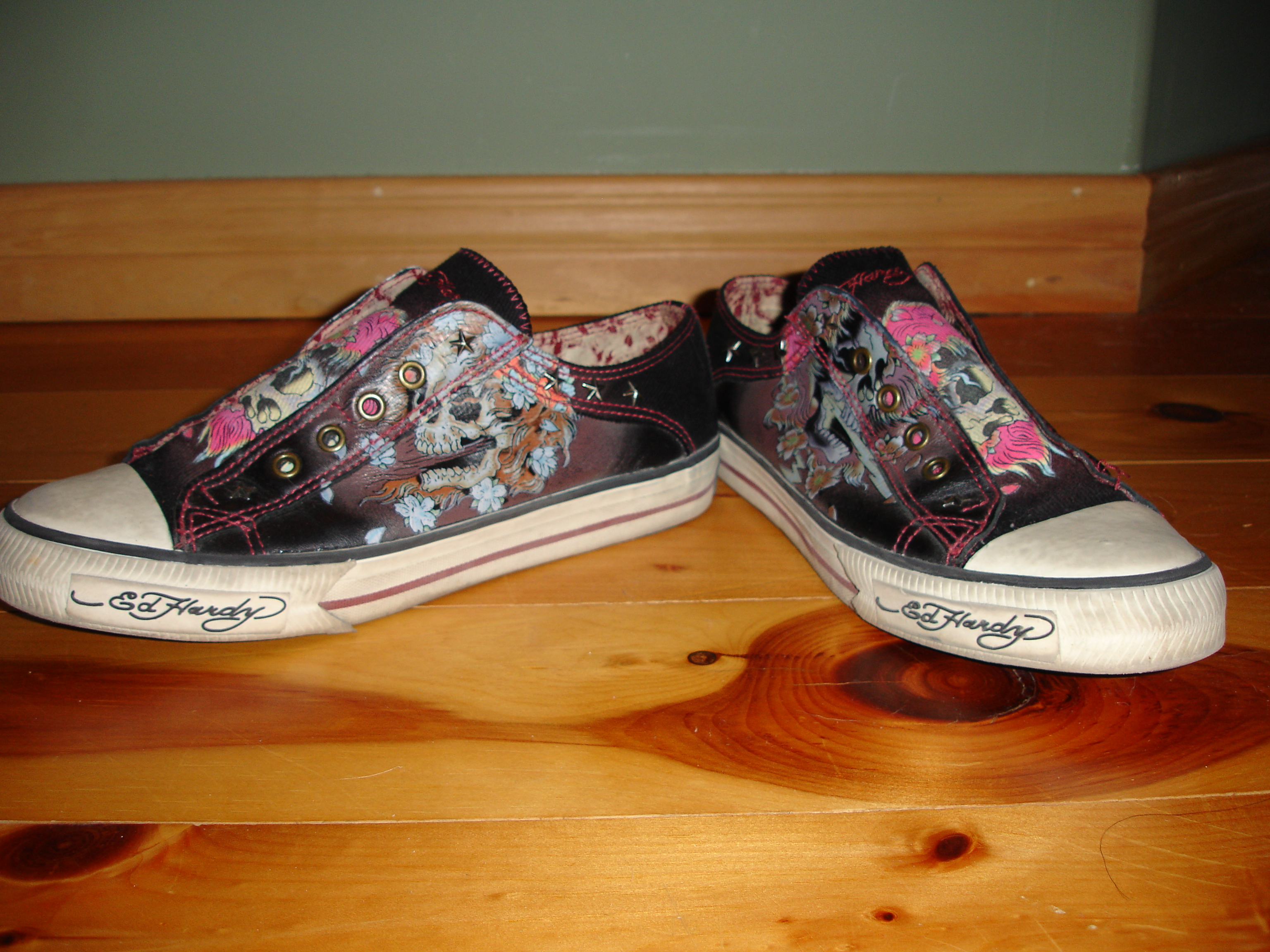 Fashionable people questionable things monday shoe - Ed hardy lisa frank ...