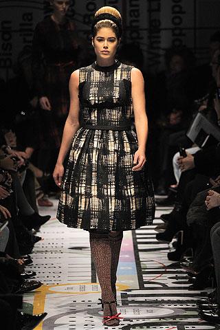 style.com - doutzen kroes Prada